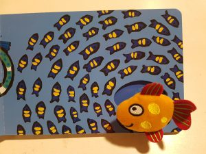 prentenboek een kusje van kleine vis cousins