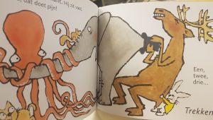prentenboek wat komt er uit de hoed kitamura