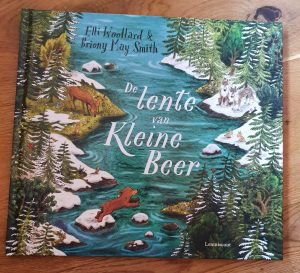 prentenboek De lente van Kleine Beer Elli Woollard Briony May Smith